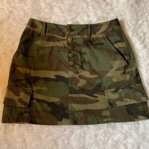 Medium camo skirt